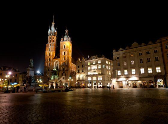 Dlaczego warto wynająć apartament w centrum Krakowa?